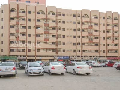 2 Bedroom Apartment for Rent in Bu Daniq, Sharjah - Spacious 2 B/R Hall Flat With Balcony behind Mega Mall