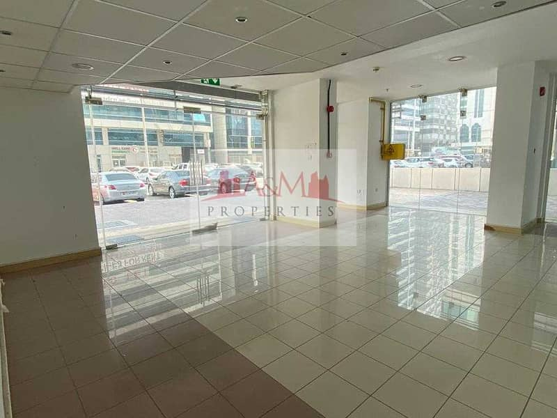 EXCELLENT OFFER. : Showroom in very Good location  of Electra Street for AED 1