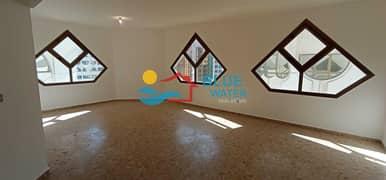 شقة في شارع الفردوس منطقة النادي السياحي 3 غرف 75000 درهم - 4884571