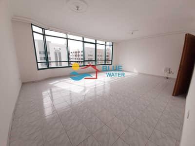 شقة 3 غرف نوم للايجار في الخالدية، أبوظبي - No Commission ! Spacious 3 Br with maids room at prime location