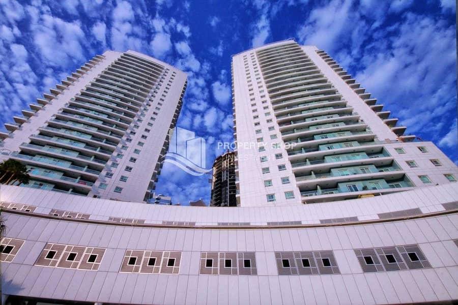 2 Move In Tranquil Sea View Apt  w/ Spacious Balcony!