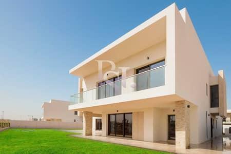 6 Bedroom Villa for Sale in Yas Island, Abu Dhabi - Elegance & Prestige Living w/ Full Golf Course View!