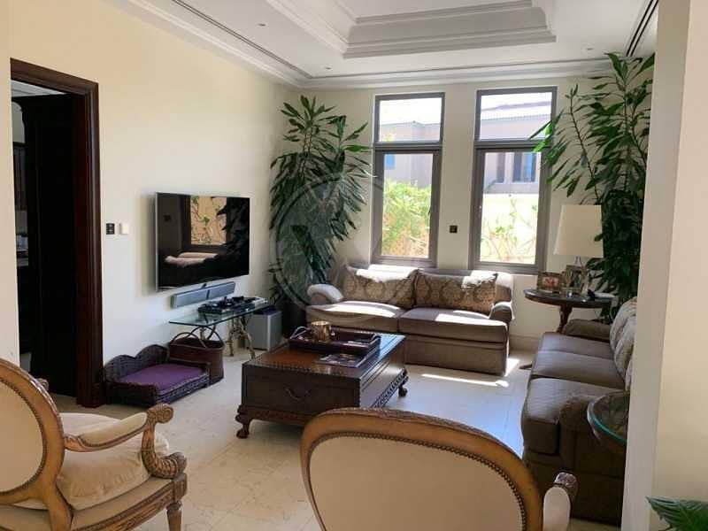 2 Modified executive villa with lovely garden!