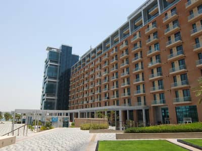 شقة 2 غرفة نوم للايجار في شاطئ الراحة، أبوظبي - Exclusive  Marina and Sea Views  - must view!