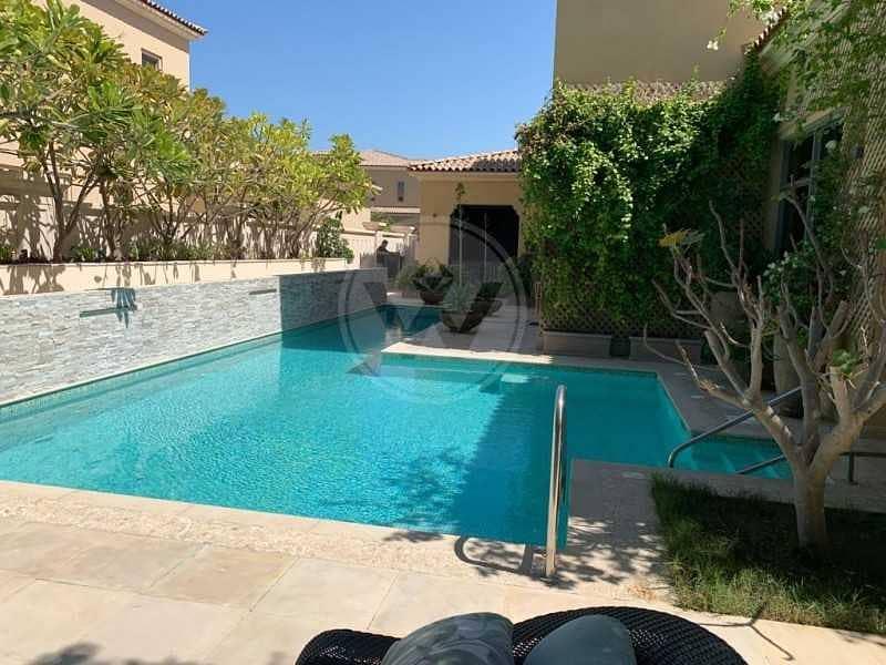 11 Modified executive villa with lovely garden!