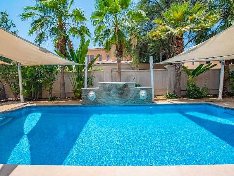 Beautifully landscaped garden and pool I Executive