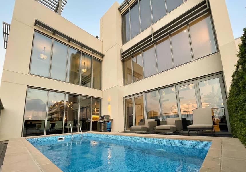 12 Beautifully remodeled podium villa + private pool