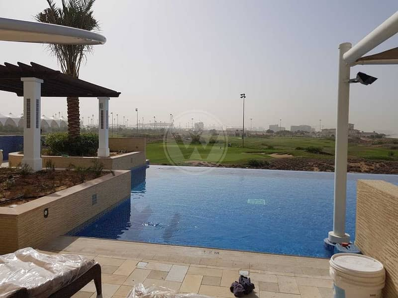 2 Sea and Golf course views |3 beds + maids