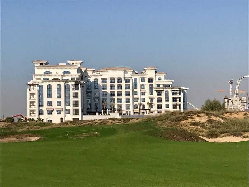10 Sea and Golf course views |3 beds + maids