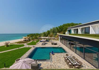 6 Bedroom Villa for Sale in Nurai Island, Abu Dhabi - Remodelled and furnished private beachfront estate