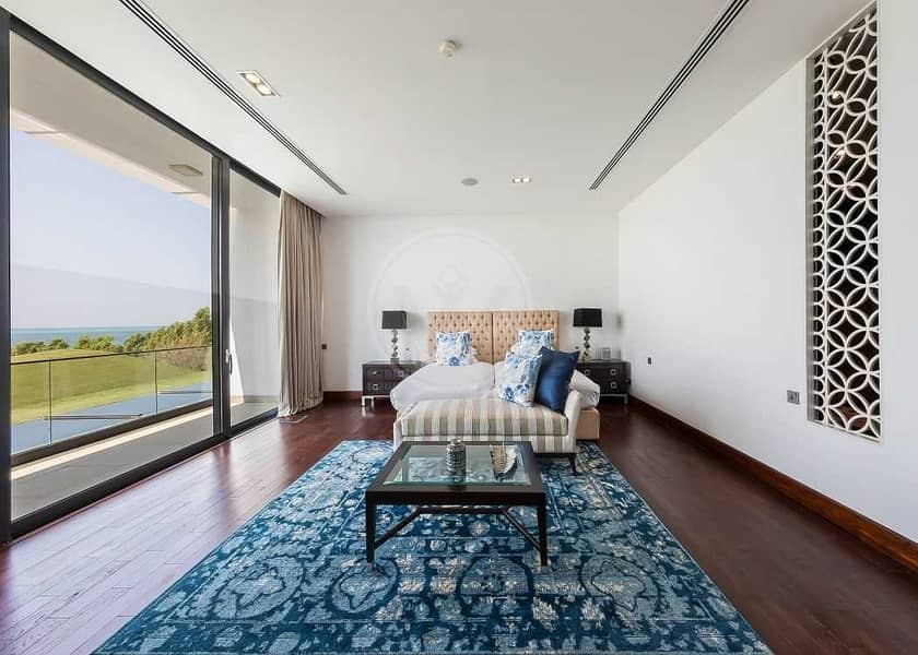18 Remodelled and furnished private beachfront estate