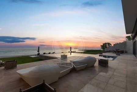 6 Bedroom Villa for Sale in Nurai Island, Abu Dhabi - PRIVATE BEACH ESTATE VILLA - HIGHLY EXCLUSIVE