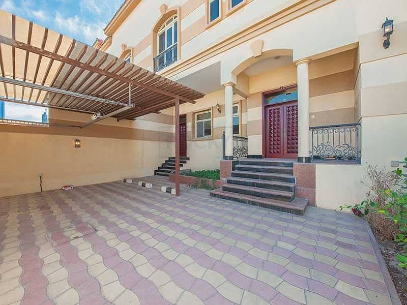 Gorgeous Semi Independent 4 B/R Villa   Private Pool   Jumeirah 1st
