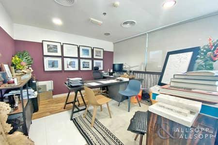 مکتب  للبيع في الخليج التجاري، دبي - Furnished   Partitioned   Large Terrace