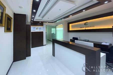 مکتب  للبيع في الخليج التجاري، دبي - Luxury Furnished | 4 Parking | Partitioned