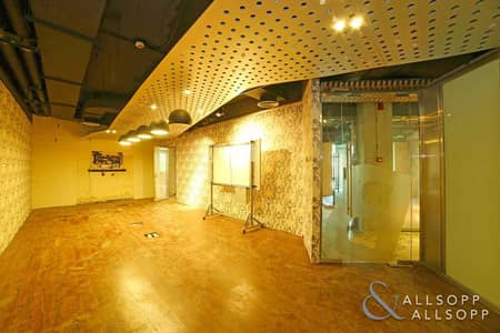 Office for Sale in Old Town, Dubai - Partitioned   Prime Location   7 Parking