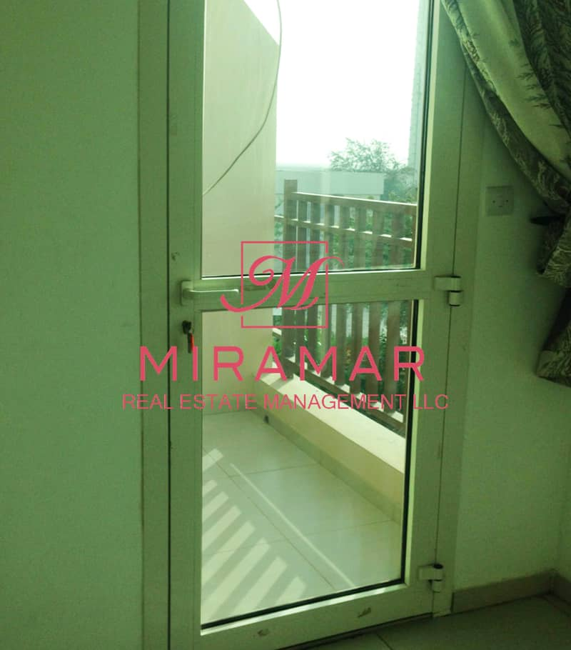14 LARGE 2B TOWNHOUSE   NEW BUILDING   SMART LAYOUT
