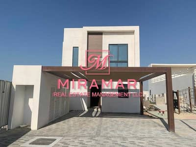 4 Bedroom Villa for Sale in Al Ghadeer, Abu Dhabi - LUXURY 4B+MAIDS VILLA | CORNER UNIT | SINGLE ROW | LARGE UNIT