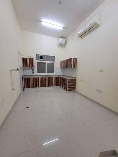 شقة 3 غرف نوم للايجار في الشوامخ، أبوظبي - شقة في الشوامخ 3 غرف 60000 درهم - 5151356