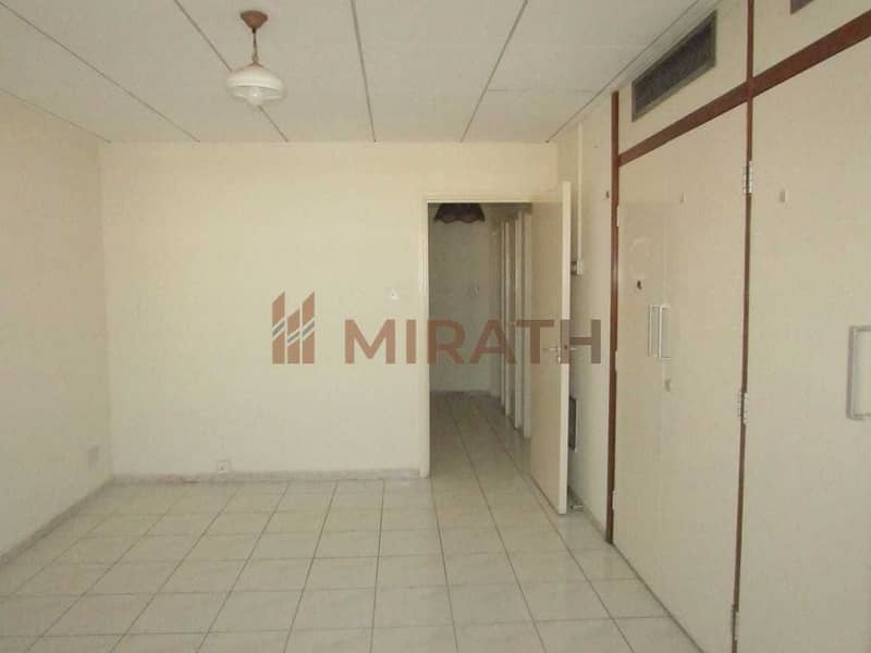 HUGE BALCONY 3BHK 14 MONTHS CONTRACT NO COMMISION