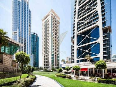 محل تجاري  للايجار في أبراج بحيرات الجميرا، دبي - Lucrative Retail Shop   Close to Metro   Busy Area