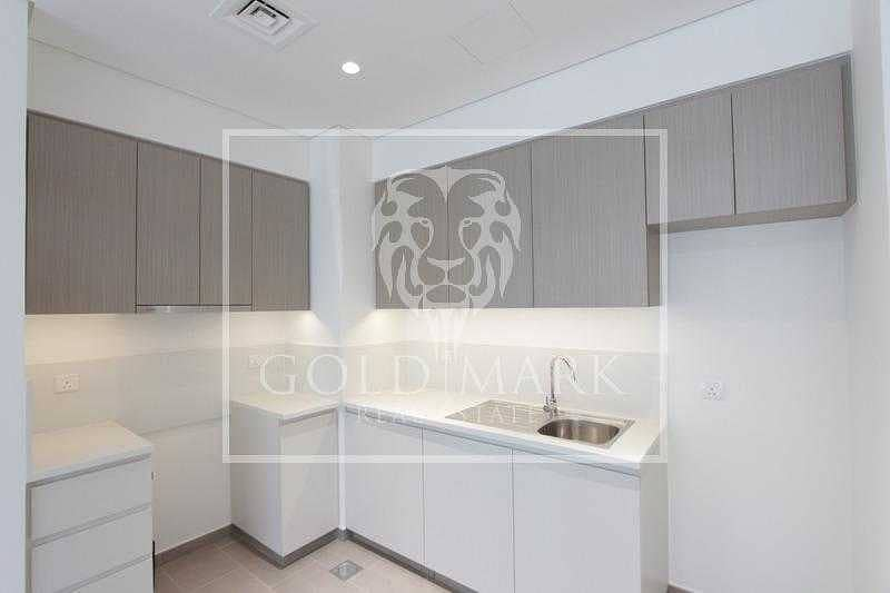 2 Brand New Unit   High floor  Ready To Move In