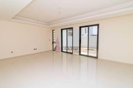 3 Bedroom Villa for Rent in DAMAC Hills 2 (Akoya by DAMAC), Dubai - Big Hall | Closed Kitchen | 3 BR + Maids Room