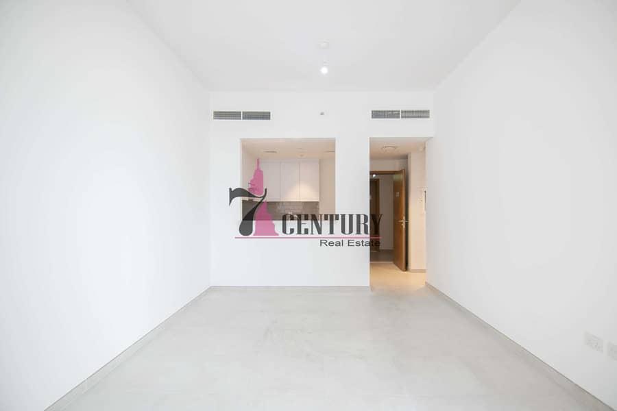 2 1 Bedroom Apartment | With Balcony | Modern Luxury