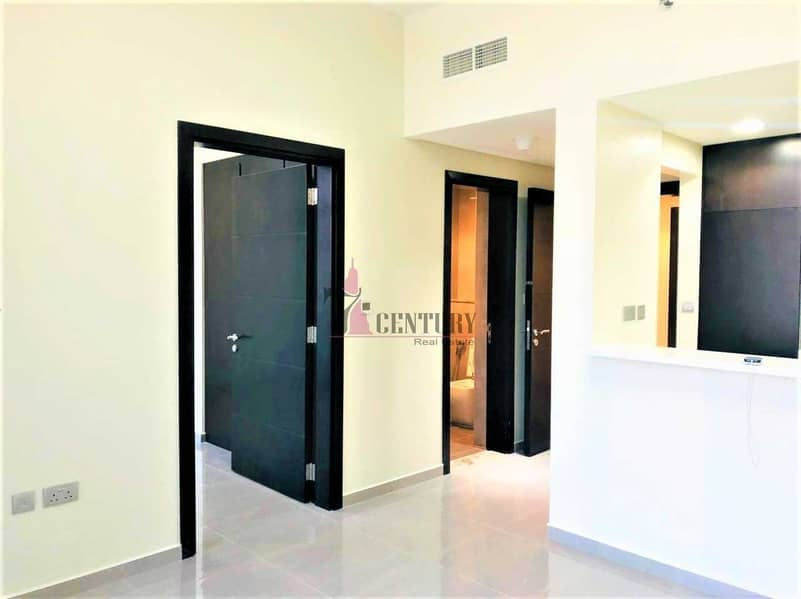 Mid Floor | 1 Bedroom Apartment | Canal View
