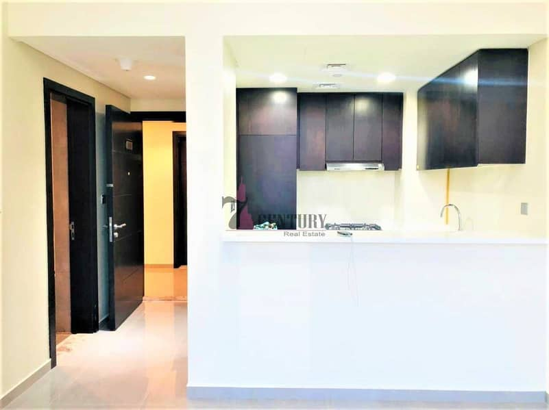 2 Mid Floor | 1 Bedroom Apartment | Canal View