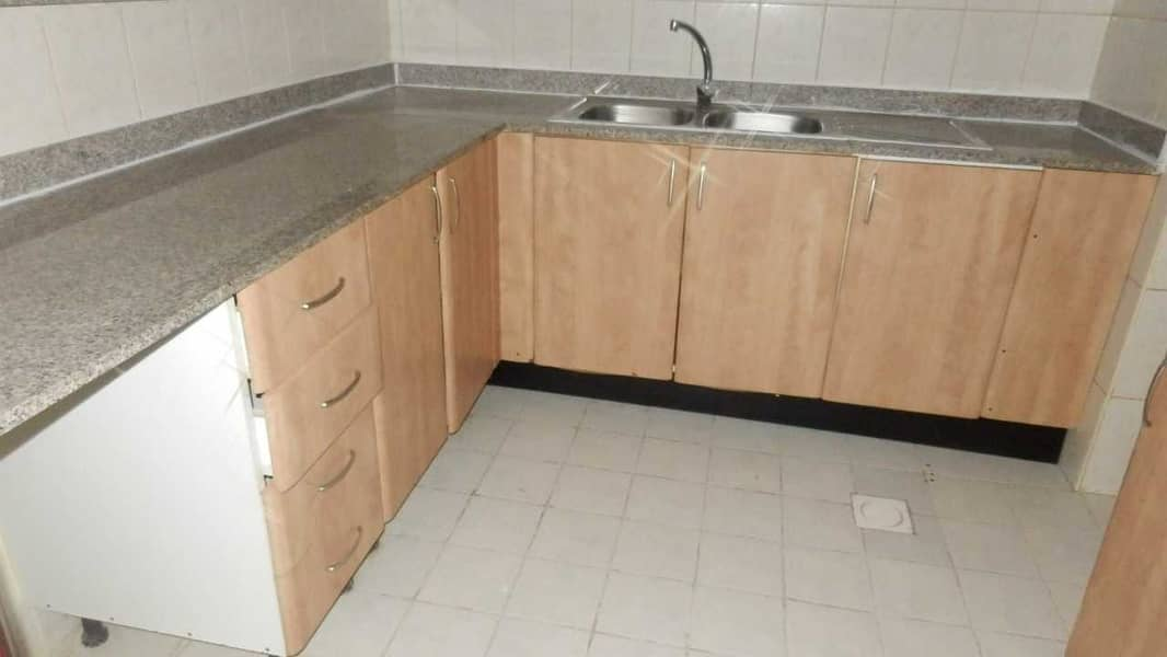 2 DISTRESS DEAL . . ONE BHK IN MOROCCO CLUSTER WITH BALCONY JUST IN 270K
