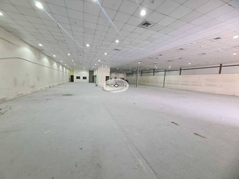 8 Air conditioned warehouse for rent 10600 square feet in Al Quoz 3