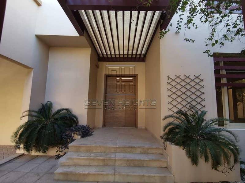 43 Massive Villa 5BR+Maid |Private Swimming Pool .
