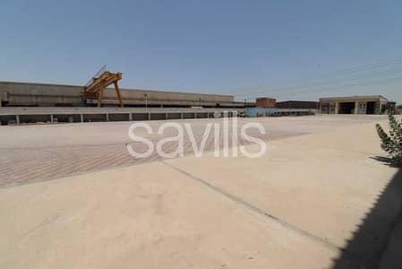 مصنع  للبيع في المنطقة الحرة - الحمرية، الشارقة - Big Factory | Open Access from Two Sides