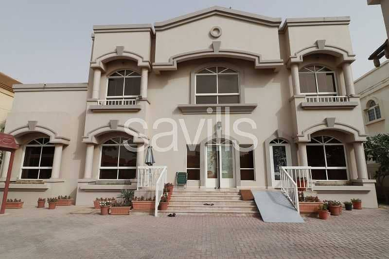 2 Ready to move in| 6 BED villa | Swimming pool