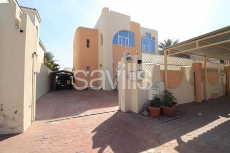 فیلا 5 غرف نوم للبيع في القوز الشارقة، الشارقة - Comfortable 5BED villa next to the main road
