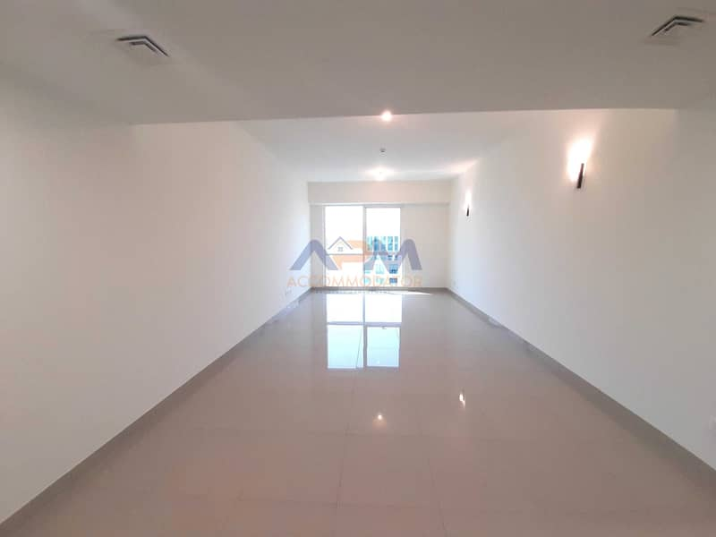 Hot Offer (No Commission  )Full sea view 3bhk  with AC chiller free