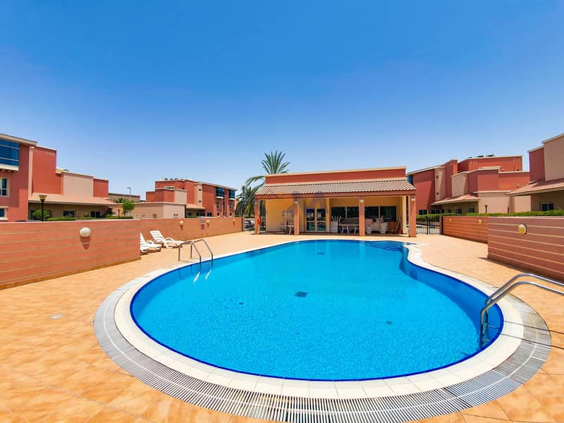 2 Spacious ! 1 Bed Apartment in Villa Compound.