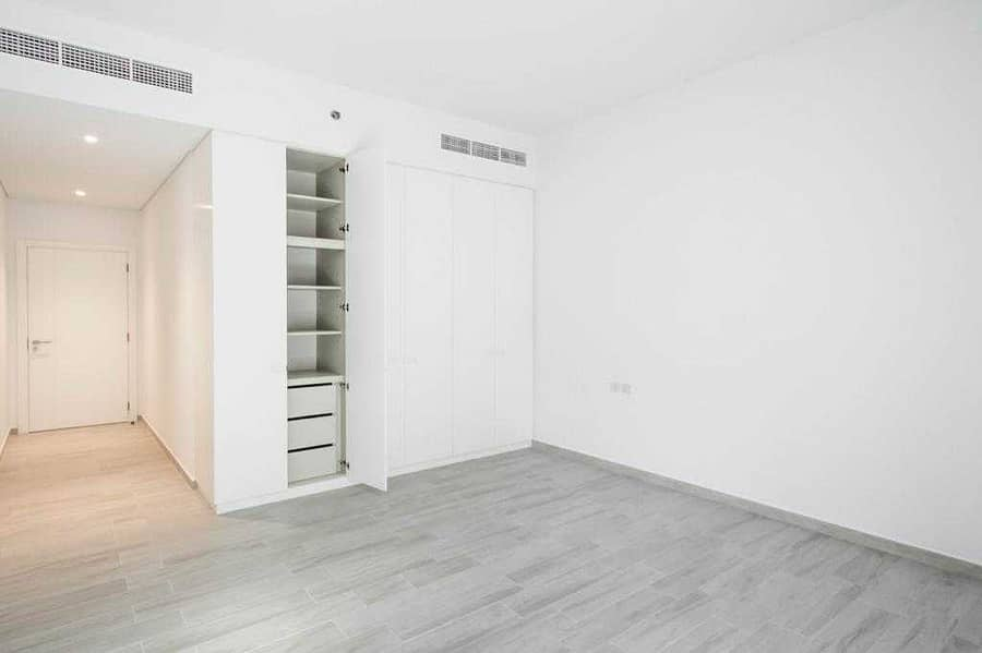 Bright Brand New 2 BR Townhouse