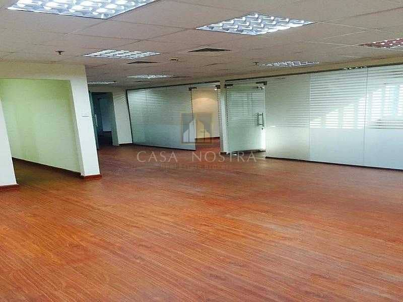 2 Full Lake View Large Fitted Office With Partition