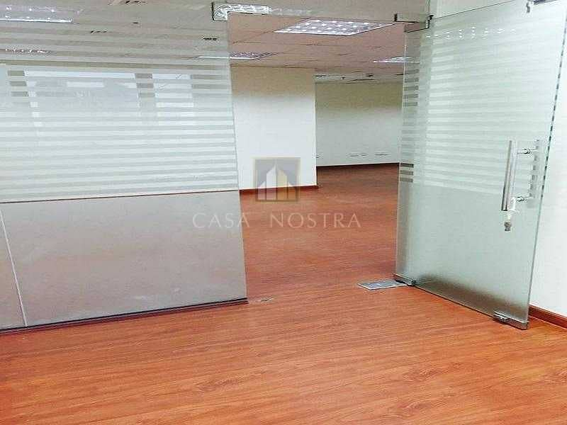 15 Full Lake View Large Fitted Office With Partition