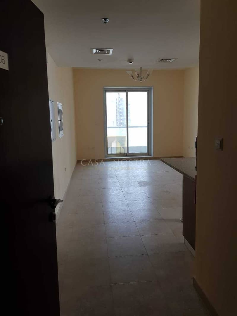 2 Affordable Price 2BR on Higher Floor Chiller free