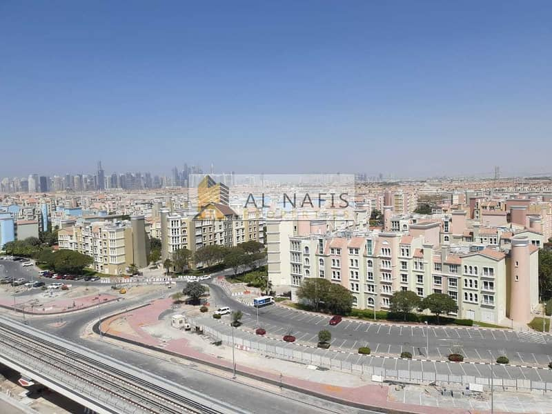 9 3 BR + Maids with Beautiful View Front Metro