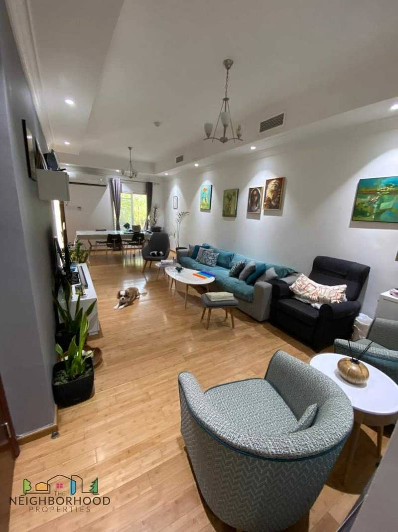 13 Best location   Upgraded Unit   Well maintained