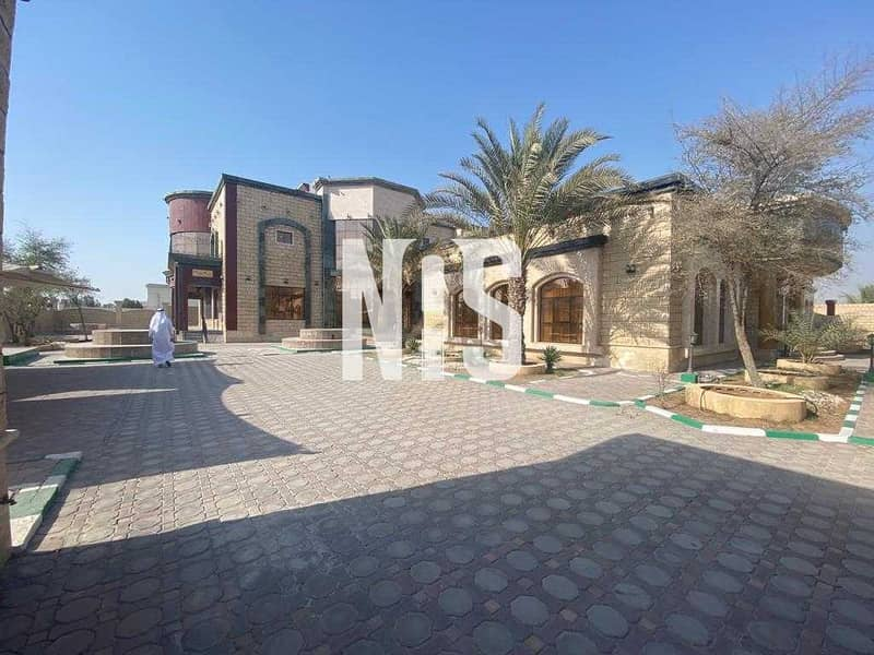 2 Spacious and Stunning Villa | Prime Location