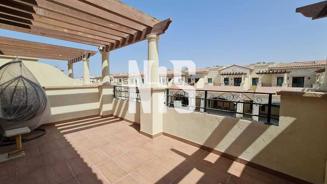 21 Well Maintained and Elegant Townhouse