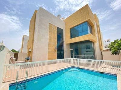 فیلا 5 غرف نوم للايجار في جميرا، دبي - فیلا في جميرا 1 جميرا 5 غرف 300000 درهم - 5261775