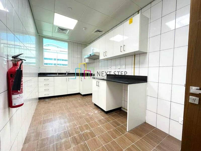 11 0% Commission *Brand New* 1BR  with Big Balcony l Full Facilities l Parking