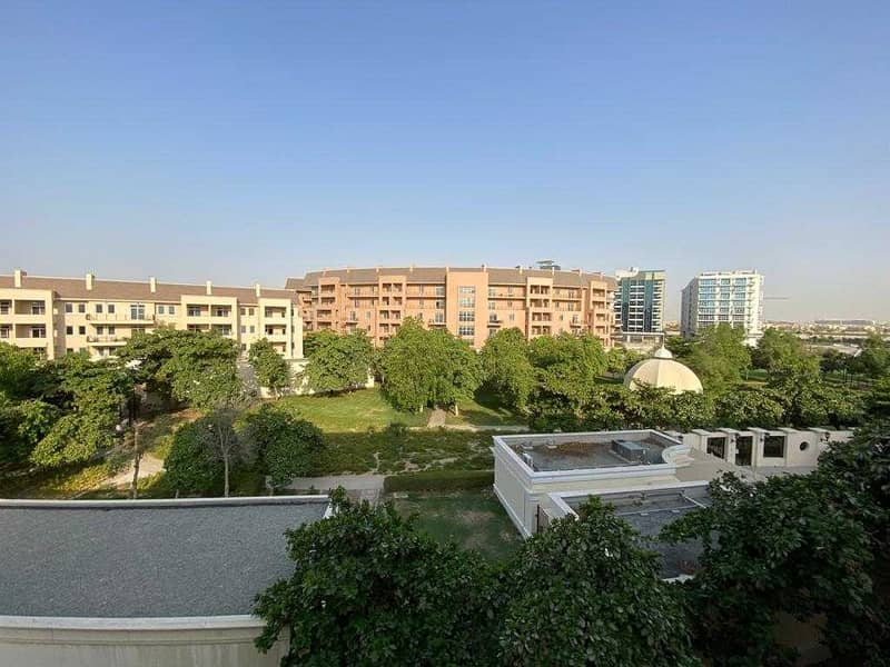 Spacious/ Immaculate /3BHK plus maid's
