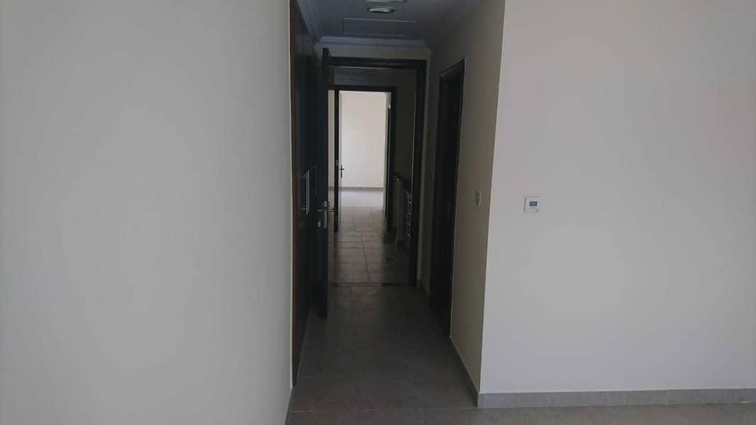17 Bayti Compound Villa  3 BR + Maid  Parking